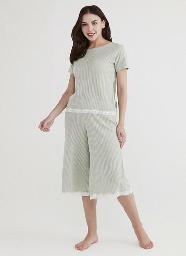 Penti Kadın Mint Yeşili Lacey Pointel Kapri Pijama Takım PNTUW55721IY Yeşil